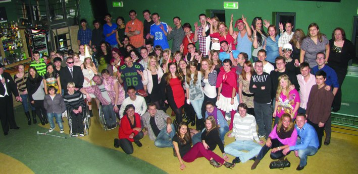 Pamiątkowe zdjęcie wszystkich uczestników imprezy – a potem zabawa do rana! ;)